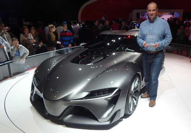Salon AutoBA 2015 - PIA - Entrega de Premio - Toyota FT-1 - Mejor Concept Car