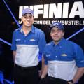 Salon AutoBA 2015 - YPF Infinia - Franco Vivian y Norberto Fontana