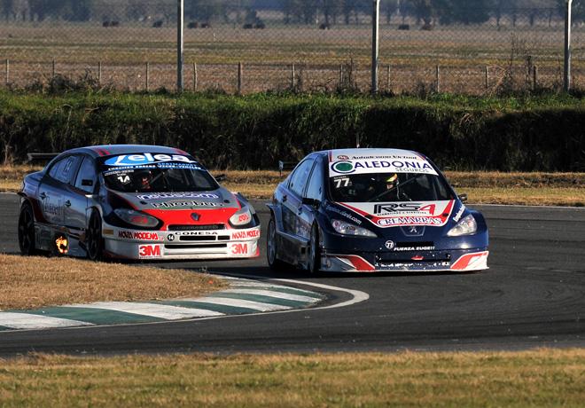 TC2000 - Junin 2015 - Carrera 1 - German Sirvent - Peugeot 408 - Augusto Scalbi - Renault Fluence