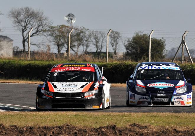 TC2000 - Junin 2015 - Carrera 2 - Emmanuel Caceres - Honda Civic - Antonino Garcia - Ford Focus III