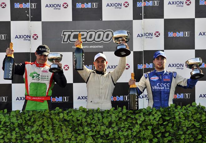 TC2000 - Junin 2015 - Carrera 2 - Huberto Krujoski - Emmanuel Caceres - Antonino Garcia en el Podio