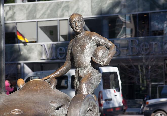 Mercedes-Benz - Homenaje por el 20 aniversario del fallecimiento de Fangio 1