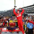 NASCAR - Indianapolis 2015 - Kyle Busch en el Victory Lane