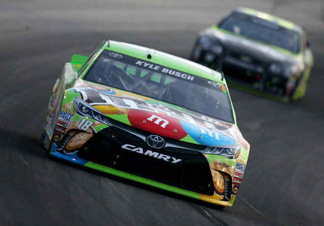 NASCAR - Kentucky 2015 - Kyle Busch - Toyota Camry