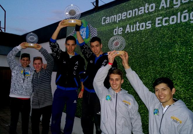 Fiat presente en el Desafio Eco 2015 en el Autodromo Oscar y Juan Galvez 2