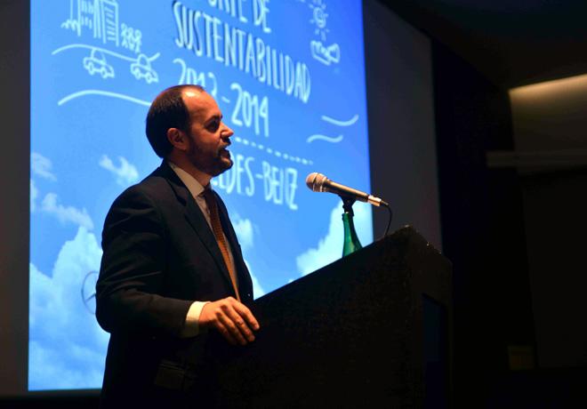 Mercedes-Benz Argentina lanzo su Reporte de Sustentabilidad 2013-2014 - Gustavo Castagnino - Director de Relaciones Institucionales