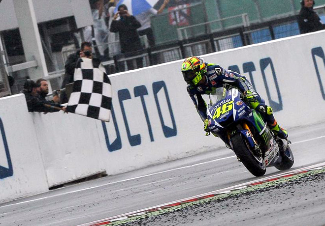 MotoGP en Silverstone – Carrera: Rossi vuelve a comandar el campeonato.