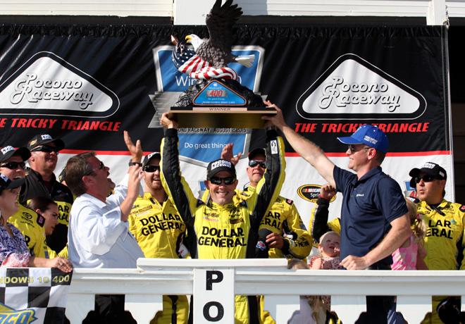 NASCAR en Pocono – Carrera: En la ruleta del combustible, ganó Matt Kenseth.