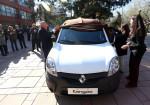 Fundacion Renault Argentina - CONIN - Donacion Kangoo 1