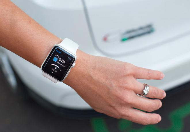 La aplicacion de Smart Watch de Ford permite tener el control del vehiculo