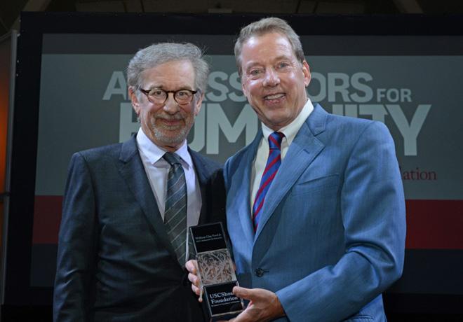 Steven Spielberg y Bill Ford anuncian alianza de Ford con La Fundacion USC Shoah