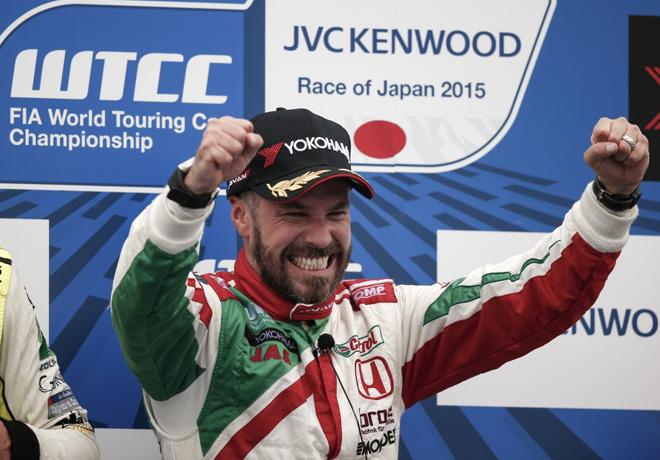 WTCC - Motegi - Japon 2015 - Carrera 2 - Tiago Monteiro en el Podio