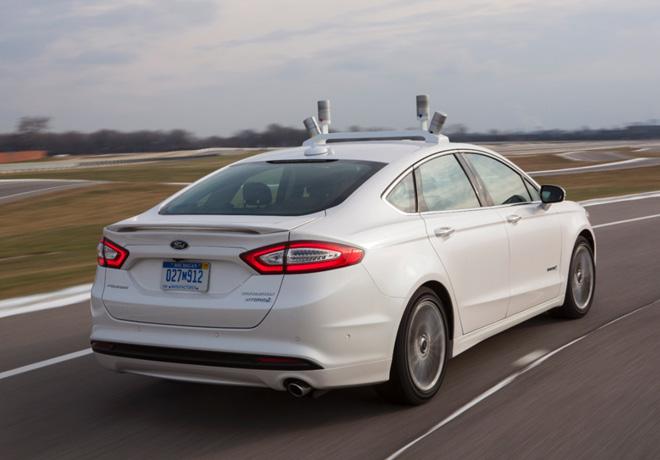 Ford invierte en investigaciones para la creacion del auto Inteligente del futuro 2