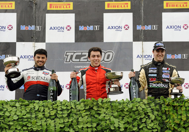TC2000 - Rio Cuarto 2015 - Carrera Sprint - Alessandro Salerno - Tomas Gagliardi Genne - Augusto Scalbi en el Podio copi