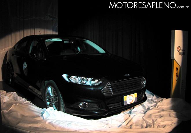 CESVI - El Auto mas Seguro 2015 -  Ford Mondeo SE Duratec 1