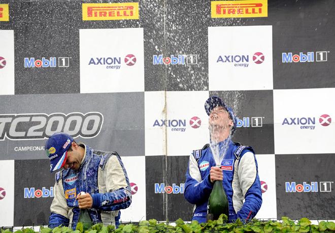 TC2000 - Rio Cuarto 2015 - Carrera Final - Luciano Farroni y Juan Angel Rosso en el Podio