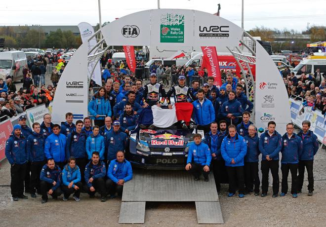 WRC - Gales 2015 - Final - Sebastien Ogier y el equipo VW en el Podio