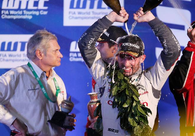 WTCC - Buriram - Tailandia 2015 - Carrera 1 - Jose Maria Lopez en el Podio