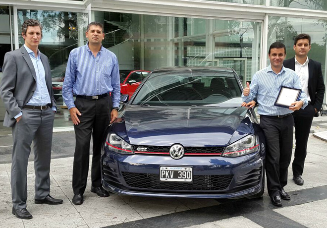 Premios PIA 2015 - Volkswagen Golf - Martin Sorrondegui y equipo