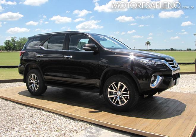 Toyota - Presentacion SW4 02