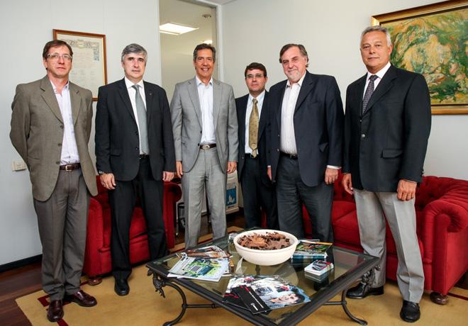Directivos de Scania e YPF firmaron convenio de trabajo conjunto