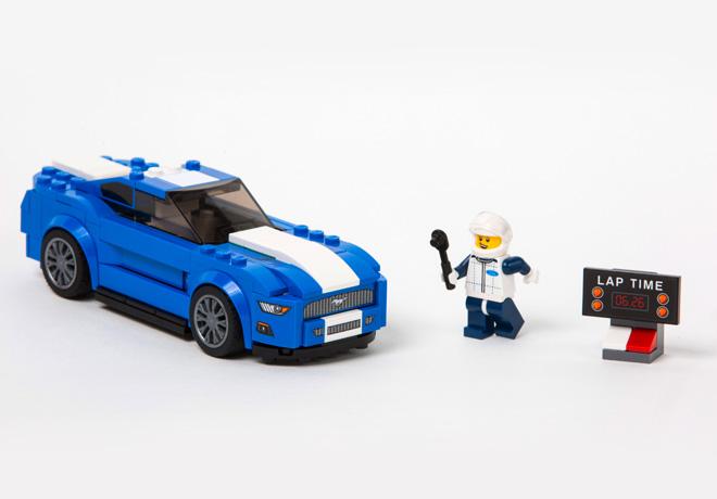 Ford y LEGO introducen versiones de Mustang y F-150 Raptor para armar 1