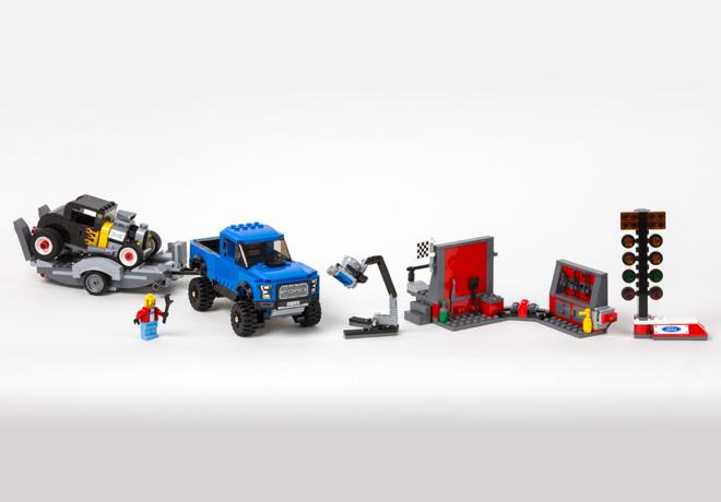 Ford y LEGO introducen versiones de Mustang y F-150 Raptor para armar 2