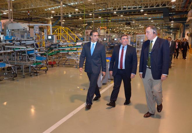 Di Si - Presidente y CEO de VW Argentina - Testa - Director de Planta Cordoba - Tillard - Presidente de BANCOR recorriendo el Centro Industrial Cordoba