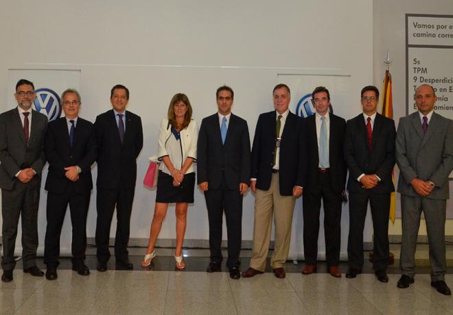 Directivos de VW Argentina y BanCor en el Centro Industrial Cordoba de VWA