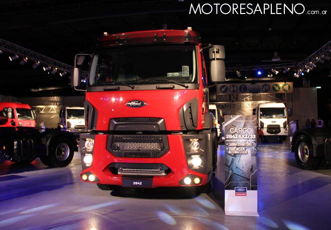 Ford Cargo 2842 6x2-33