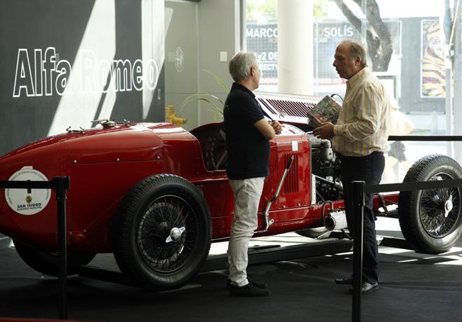 Horacio Pagani de visita por Alfa Romeo 1
