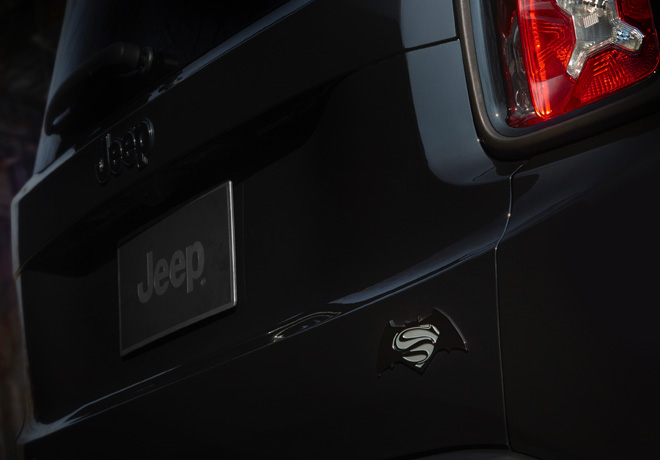 Jeep Renegade Dawn of Justice 2016 7