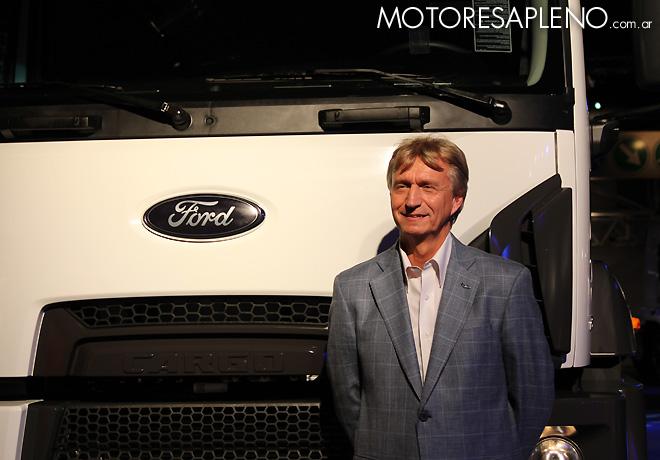 Juan Carlos Janocko en la presentacion de la Nueva Linea Cargo Euro V de Ford