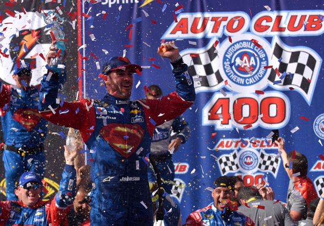 NASCAR - Fontana 2016 - Jimmie Johnson en el Victory Lane