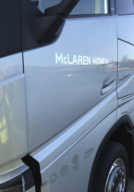 Volvo Trucks - proveedor oficial del equipo McLaren-Honda de Formula 1 2