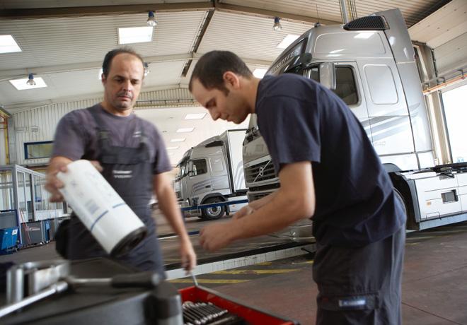 Volvo y Renault Trucks bajan los precios de sus repuestos de mantenimiento