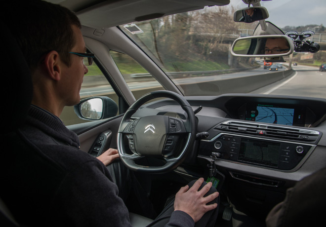 Dos vehiculos autonomos del Grupo PSA unen Paris con Amsterdam en modo Eyes Off