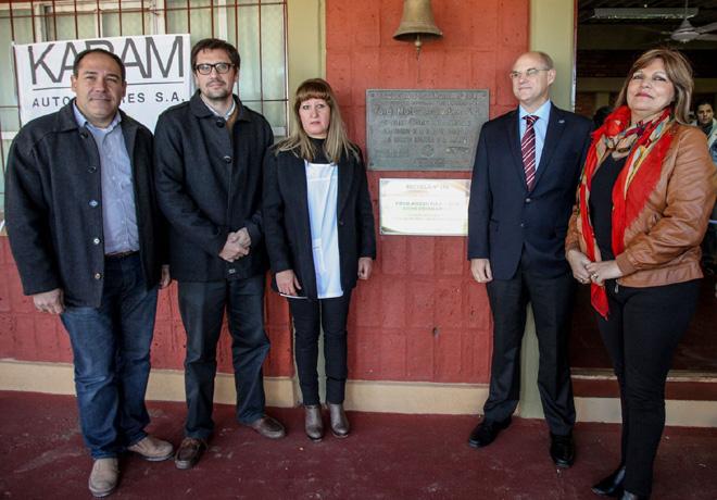 Ford y sus concesionarios reinauguraron en Mascasin- La Rioja - , su 24ta Escuela Rural 3