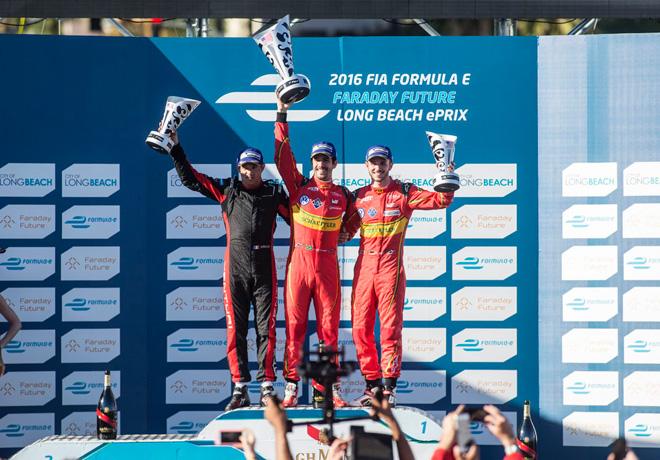Formula E - Long Beach - Estados Unidos 2016 - Stephane Sarrazin - Lucas di Grassi - Daniel Abt en el Podio