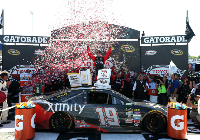 NASCAR - Richmond 2016 - Carl Edwards en el Victory Lane