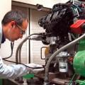 Especialistas de Ford ayudan a refinar la afinacion y sonido de los motores con la ayuda del oido