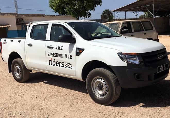 Ford utiliza camionetas Ranger en un proyecto de movilidad y asistencia social en areas remotas de Africa 1