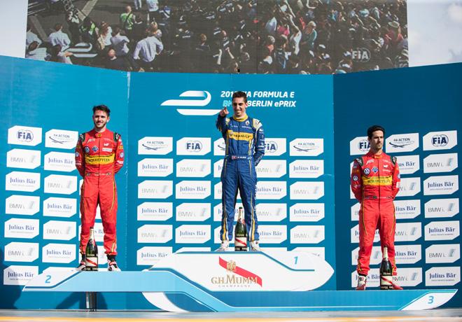 Formula E - Berlin - Alemania 2016 - Daniel Abt - Sebastien Buemi - Lucas Di Grassi en el Podio