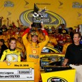 NASCAR - Charlotte 2016 - All Star Eace - Joey Logano en el Victory Lane