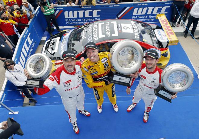 WTCC - Marrakech - Marruecos 2016 - Carrera 1 - Yvan Muller - Tom Coronel - Jose Maria Lopez en el Podio