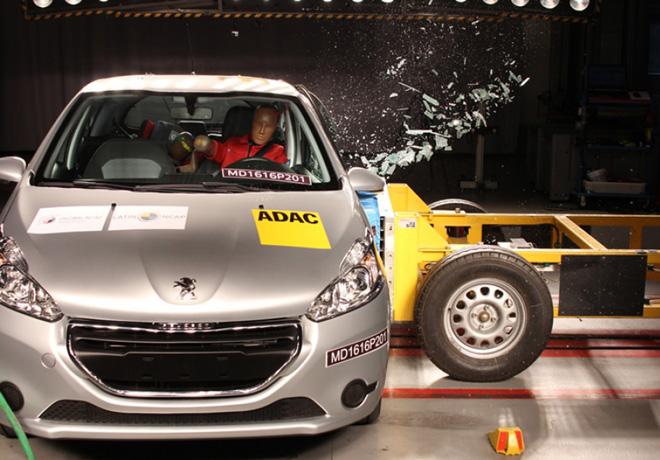 Latin NCAP - Peugeot 208 - con 2 Airbags