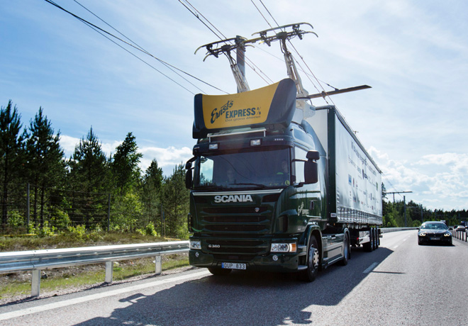 Scania participa en la apertura de la primera ruta electrica del mundo 1