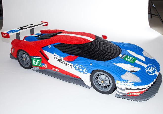 Un Ford GT fue construido con 40 mil piezas de Lego.