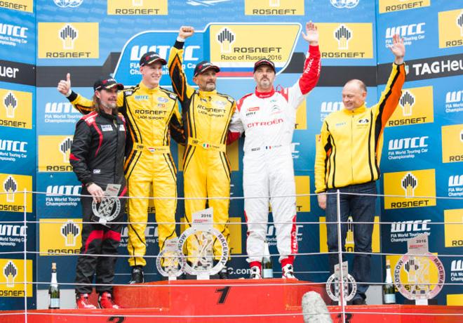 WTCC - Moscu - Rusia 2016 - Carrera 1 - Nicky Catsburg - Gabriele Tarquini - Yvan Muller en el Podio