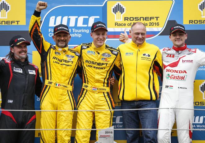 WTCC - Moscu - Rusia 2016 - Carrera 2 - Gabriele Tarquini - Nicky Catsburg - Nicky Catsburg - Norbert Michelisz en el Podio